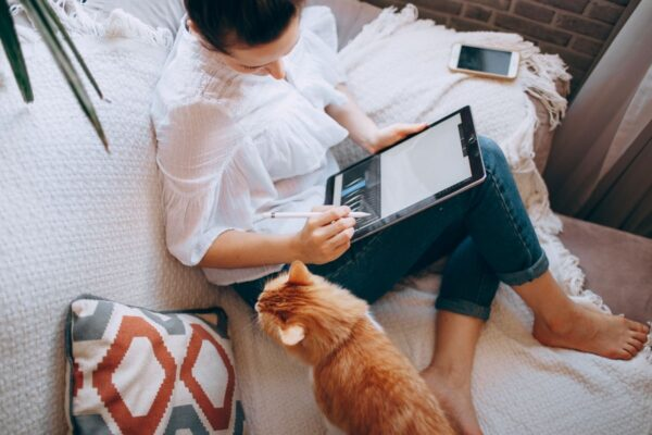 15 Easy Online Jobs Anyone Can Do From Home, For Free!