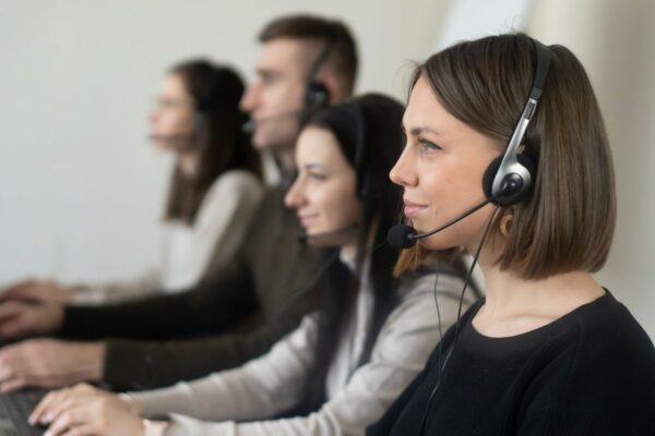 7 Well-Paid Remote Bilingual Jobs You Can Do From Home
